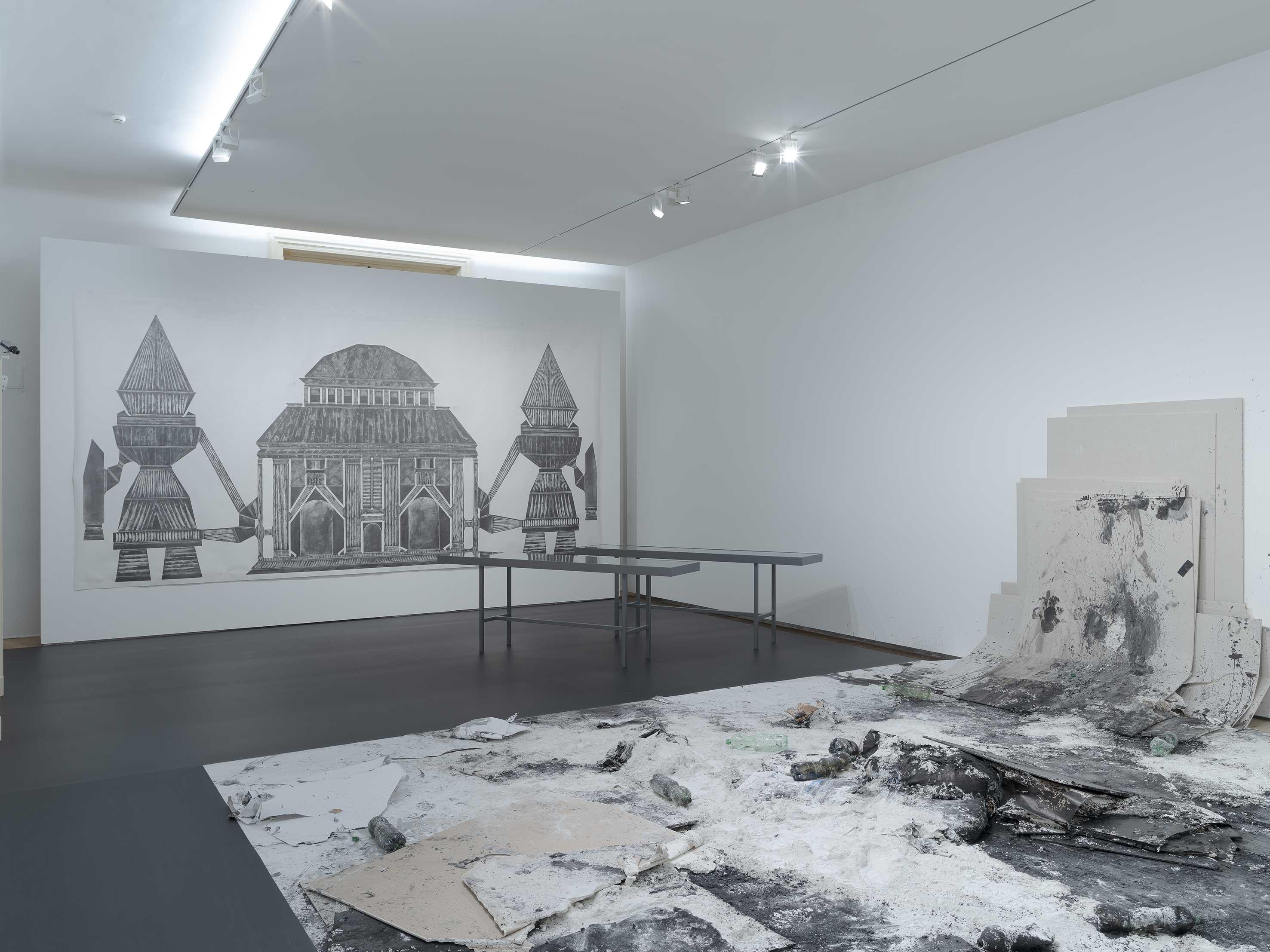 """Ausstellungsansicht """"Obsession Zeichnen"""" im Bruseum / Neue Galerie Graz (kuratiert von Roman Grabner """"transfigured to pure substance"""" 300 x 500 cm Bleistift und Graphit auf Papier (Foto: Universalmuseum Joanneum / N. Lackner)"""