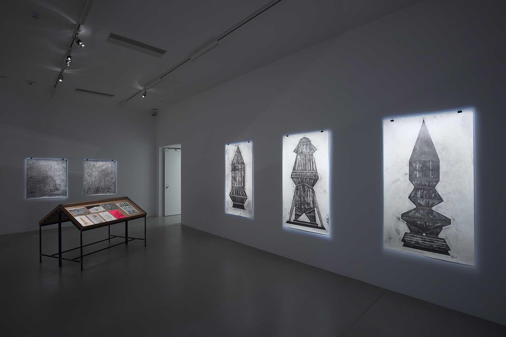 """Ausstellungsansicht """"Ticket to the moon"""", Kunsthalle Krems (Foto: Kunsthalle Krems / Redtenbacher)"""